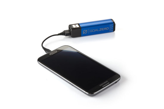 Flip 10 Recharger - Blue - In Action