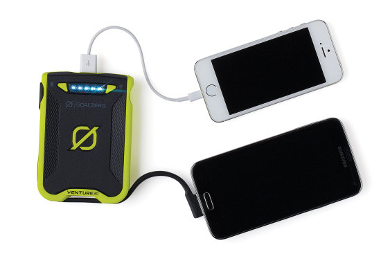 Venture 30 Recharger - Green 2 iPhones